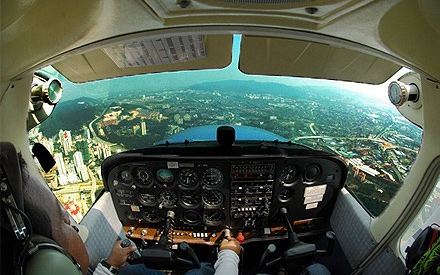 cessna-172-view